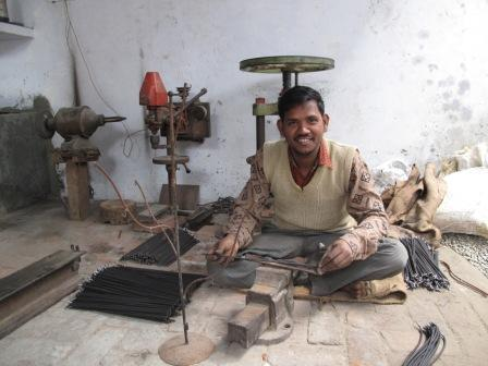 Wire making gifts producer