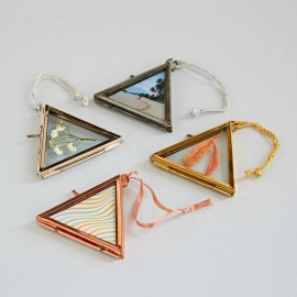 Alia Mini Triangular Hanging Photo Frame