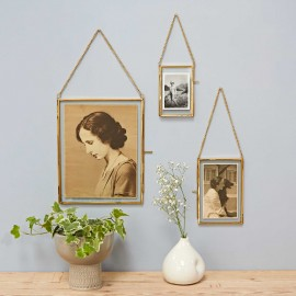 Dia Gold Hanging Photo Frame